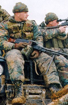 Russian commandos during Second chechen war. Military Photos, Military Gear, Military Police, Military History, Military Uniforms, Airsoft, Military Special Forces, Soviet Army, Special Ops