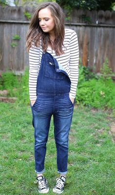 Overalls with Chucks | spring fashion | spring style | spring outfit ideas | how to style overalls | outfit ideas for spring | fashion tips for spring | style ideas for spring | warm weather fashion || Katie Did What
