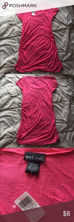 Wet Seal pink scoop neck shirt size Small Adorable brand new pink scoop neck shirt. Size Small Wet Seal Tops Tees - Short Sleeve