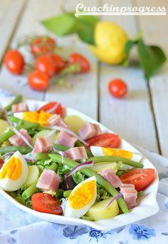 insalata nizzarda Fruit Salad, Cobb Salad, Avocado Ranch, Keto Recipes, Healthy Recipes, Light Recipes, Relleno, Banquet, Finger Foods