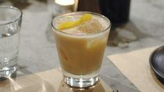 Caffè shakerato con Baileys, rum al cocco e crème de cacao: cocktail estivo http://winedharma.com/it/dharmag/luglio-2015/caffe-shakerato-con-baileys-rum-al-cocco-cannella-e-creme-de-cacao-il-cocktail-d