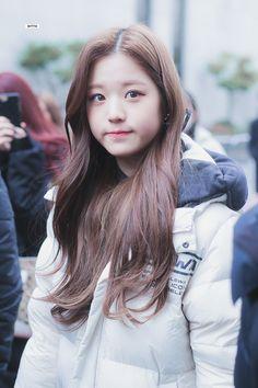Wonyoung Iz*one ❤ 181221 Cute Korean Girl, Asian Girl, Korean Beauty, Asian Beauty, Jang Wooyoung, Young The Giant, Yu Jin, Woo Young, Japanese Girl Group