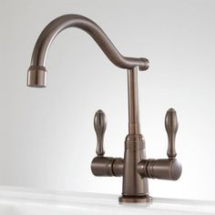 Sela Single-Hole Kitchen Faucet with Swivel Spout - Oil Rubbed Bronze