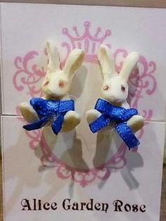 Alice Garden Rose Smurfs, Alice, Christmas Ornaments, Holiday Decor, Rose, Garden, Earrings, Accessories, Home Decor