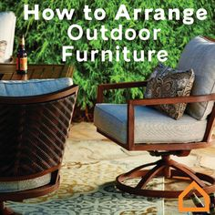 Here's how you can arrange your outdoor furniture to create the ultimate outdoor oasis: - here is where you can find that Perfect Gift for Friends and Family Members Outdoor Retreat, Outdoor Rooms, Outdoor Living, Outdoor Decor, Backyard Patio, Backyard Landscaping, House Deck, Deck Decorating, Deck Furniture