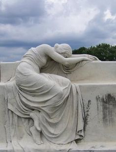 A weeping woman statue graces St. Joseph Catholic Cemetery in Price Hill. Cemetery Statues, Cemetery Art, Monuments, Pablo Picasso, Home Altar, Arte Horror, Art Model, Life Is Beautiful, Sculpture Art