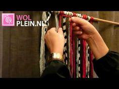 Hoooked Zpagetti vliegengordijn knopen met de weitasknoop. Wolplein.nl - YouTube