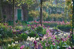 Pés descalços: Jardins de Monet
