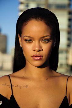 "Rihanna celebrated the launch of her Fenty beauty line in NYC. Rihanna announced that she would be releasing a beauty line called ""Fenty Beauty"" and it's Rihanna Fenty Beauty, Rihanna Makeup, Rihanna Riri, Rihanna Style, Rhianna Fashion, Moda Rihanna, Rihanna News, Good Girl Gone Bad, Hair And Beauty"