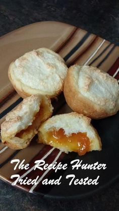TRH Hertzoggies1 Sweets Recipes, No Bake Desserts, Delicious Desserts, Yummy Food, Pudding Pies, South African Recipes, Pastry Cake, Biscuit Recipe, Hot Dog Buns