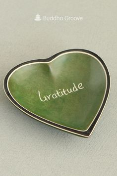 This dish's charming design can help you be thankful for the good things in life. Hand carved and dyed a rich hunter green, each is crafted from soapstone by fair trade artisans in the Kisii region of Kenya. Zen Home Decor, Feeling Thankful, Decor Ideas, Gift Ideas, Soapstone, Hunter Green, Fair Trade, Kenya, Gratitude