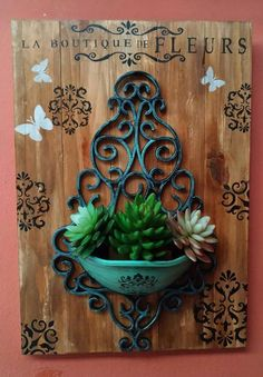 Wood Block Crafts, Wood Crafts, Palettes Murales, Little Gardens, Crafts For Seniors, Decoupage Vintage, Succulents Diy, Diy Crafts To Sell, Woodworking Crafts