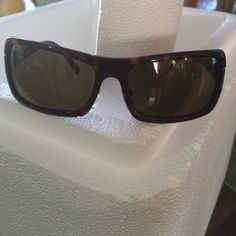 Authentic PRADA sunglasses. No case No scratches. Great conditions Prada Accessories Glasses