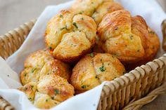 Easy Cheesy Pull-Apart Rolls