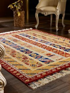 Sivas Zara bölgesinin motiflerini içinde barındıran My Home Zara Halı Serisi %100 yünden el dokuma yöntemiyle üretilmiştir.