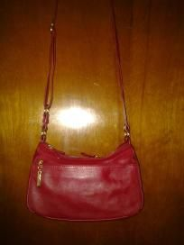 "Giani. Bernini leather handbag v pretty purse 4 woman. F 4 $24.99 size len 7"" w 14"" cross body"