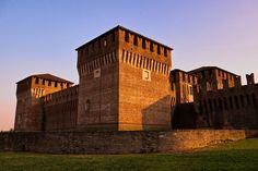 castello di Soncino, Cremona, Lombardia. 45°24′00″N 9°52′00″E