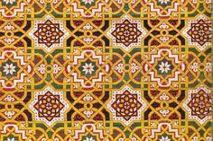 Metropolitan Museum: Lesson Plan: Geometric Design in Islamic Art Islamic Tiles, Islamic Art, Moroccan Art, Moroccan Design, Islamic Patterns, Geometric Patterns, Arts Integration, Organic Art, Arabic Calligraphy Art