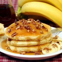 Банановые оладьи на молоке. Яйцо куриное 1 штука Бананы 2 штуки Молоко ¼ стакана Сахар 1 стакан Мука пшеничная ½ стакана Масло растительное 2 столовые ложки