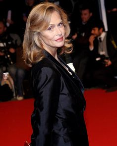 """Lauren Hutton, 68 """"Our wrinkles are our medals of the passage of life."""" Love this Lady!"""