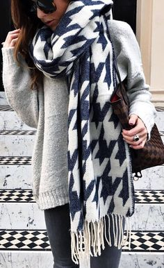 what to wear with a scarf : oversized sweater + bag + skinnies