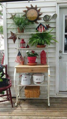 Decorate Bakers Rack On Patio