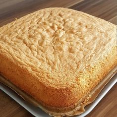 a delicious sponge cake . East Dessert Recipes, Cake Recipes, Honey Dessert, Pasta Cake, Bread And Pastries, Italian Desserts, Turkish Recipes, No Bake Cake, Cupcake Cakes