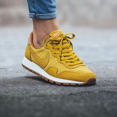 Nike Wmns Air Pegasus 83 Leather 'Dark Citron/Sunset Glow-Twny-Metallic  Red