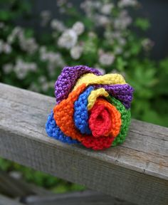 Rainbow rose. Free Swedish pattern in our blog.