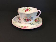 Vintage Shelley Tea Cup Rose & Red Daisy