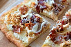 Keto Chicken Bacon Ranch Pizza Check out the Mom Needs Chocolate Shop! Eating low carb but missing pizza? This Keto Chicken Bacon Ranch Pizza will cal Chicken Bacon Ranch Pizza, Bacon Pizza, Keto Chicken, Chicken Meals, Pizza Recipes, Low Carb Recipes, Cooking Recipes, Whole30 Recipes, Healthy Recipes