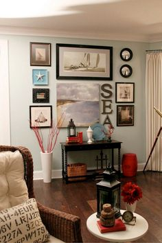 These decorating ideas will help you create a cohesive wall collage using framed and unframed pieces, from digital photography and canvas prints to paintings and travel mementos.