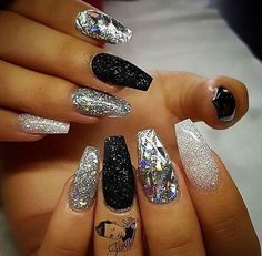 black and white nail art christmas design