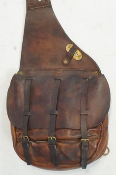 US Cavalry Saddle Bags. – (western, wild wild west, artifacts( US Cavalry Saddle Bags. Leather Saddle Bags, Leather Backpack, Leather Wallet, Leather Bags Handmade, Leather Craft, Horse Saddles, Horse Saddle Bags, Western Saddles, Horse Tack