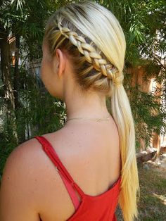 Best one for school pic day tryed ir for the movies everyone lovved it do the katniss braid