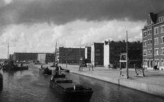 Schieweg (rechts) met de Rotterdamsche Schie gezien vanaf de Heulbrug, 10-1933
