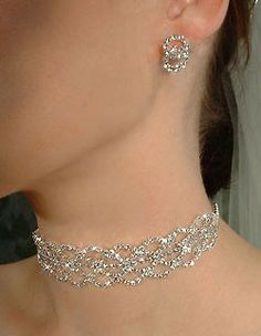 This is beautiful! It reminds me of the choker that Anastasia wears in the cartoon movie. Silver Wedding Jewelry, Wedding Jewelry Sets, Wedding Accessories, Jewelry Accessories, Sea Glass Jewelry, Body Jewelry, Unique Jewelry, Jewelry Necklaces, Luxury Jewelry