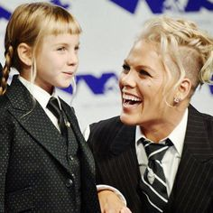 Willow and mama - so cute  I'm off to Spain now so I won't be this active the next week   P!NK (Alecia Beth Moore) Fanclub  http://ift.tt/2uNVxEO
