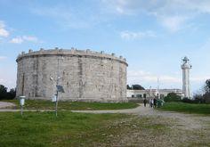 Monte Orlando di Gaeta: Mausoleo di Planco e Faro