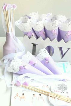 Bridal Shower Decorations, Diy Wedding Decorations, Wedding Favors, Wedding Day, Wedding Planer, Happy Birthday Celebration, Paper Doilies, Wedding Confetti, Homemade Christmas Gifts