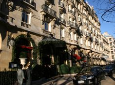 Plaza Athenee  you can Create your gallery on http://www.champselysees-paris.com/Photogallery