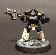 40k - Mortifactors Tartaros Pattern Terminator by John Ashton. the cracked greaves are a nice touch