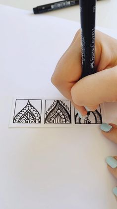 Pattern tutorial video - Draw - Head to my insta for more tutorial videos :] - Doodle Art Drawing, Cool Art Drawings, Mandala Drawing, Pencil Art Drawings, Art Drawings Sketches, Easy Drawings, Mandala Pattern, Zentangle Patterns, Pattern Art