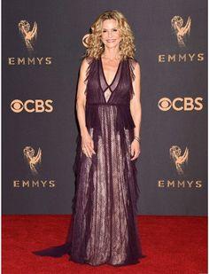 Kyra Sedgwick Emmy's 2017