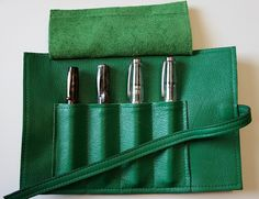 Sula Jane and Earl 4 Pen Wrap - Kelly Green Open