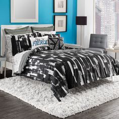 Dress your bed in chic sophistication with the stylish Steve Madden Shana Reversible Duvet Cover Set. Adorned with a bold black and white splash pattern, the trendy bedding instantly brings an urban look to your bedroom. College Comforter, Dorm Room Bedding, Bedding Shop, King Duvet Set, Comforter Sets, Teenage Beds, Twin Xl Sheets, Studio Living, Duvet Cover Sets