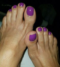 Another set of beautiful feet Pretty Toe Nails, Cute Toe Nails, Pretty Toes, Feet Soles, Women's Feet, Men Nail Polish, Mens Nails, Purple Toes, Nice Toes