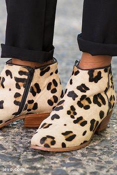 Boden leopard booties www.levo.com #levoleague #mypoweroutfit #shoesday
