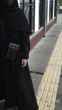 Abaya Fashion, Muslim Fashion, Fashion Outfits, Hijabi Girl, Girl Hijab, Mafia Outfit, Black Hijab, Cute Muslim Couples, Islam Women
