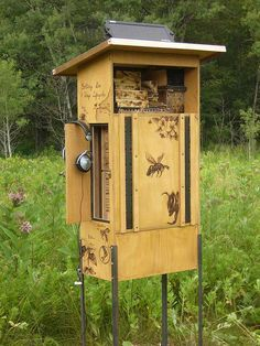 I would love to have this in my yard! Beautiful! Pollination Wunder Station at the Tree Museum, Ontario (2011)
